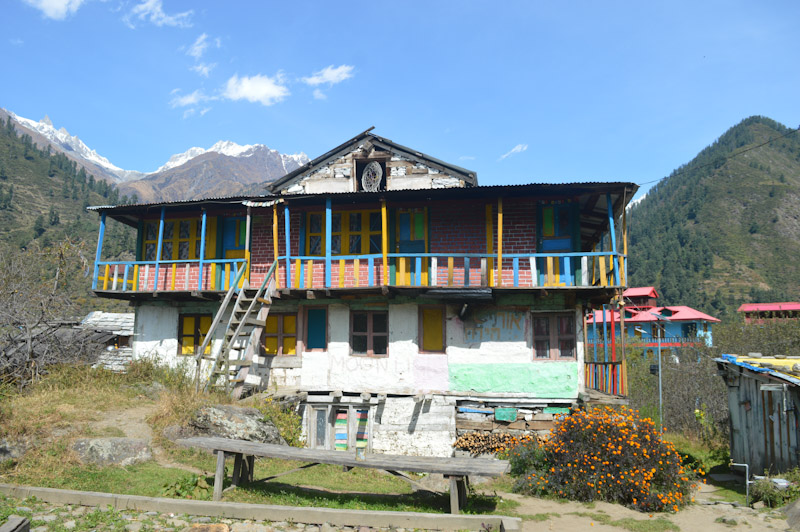 A colorful guesthouse in Kalga